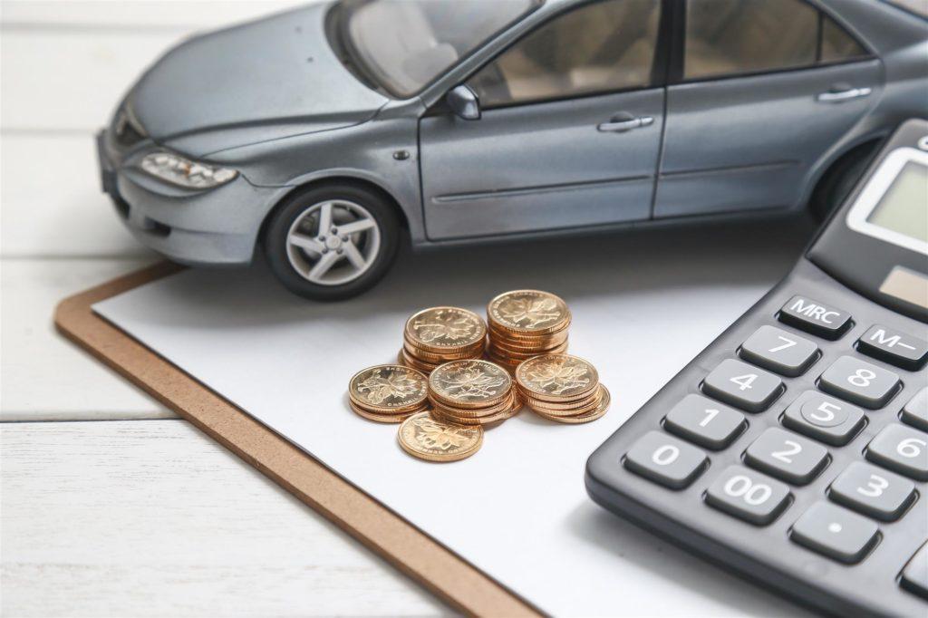Сколько стоит переоформление машины на жену?